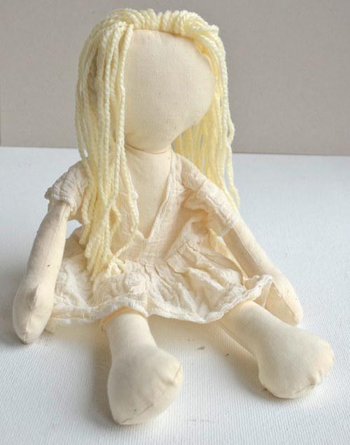 hadrová panenka Blondýnka – k pomalování