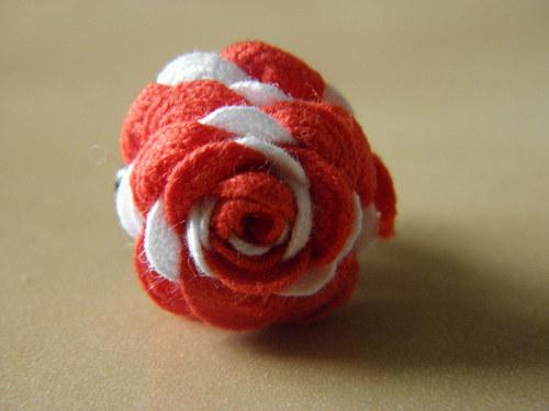 Dvoubarevná růžička