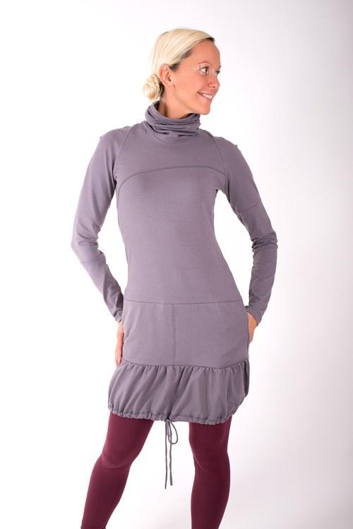 PONT DES ARTS... grey dress