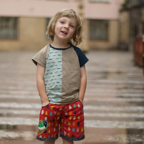 ...brouk v dešti ...kraťasy