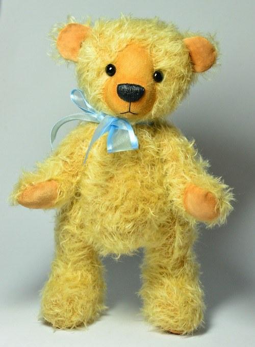 Mohérový medvídek zlatý - autorský - NA OBJEDNÁNÍ