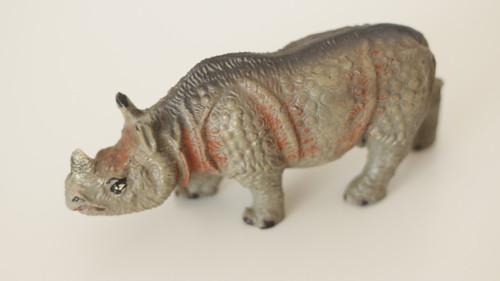 Starožitná hračka, hliněná zvířata Nosorožec