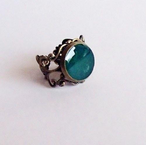 Zelený filigránový prstýnek