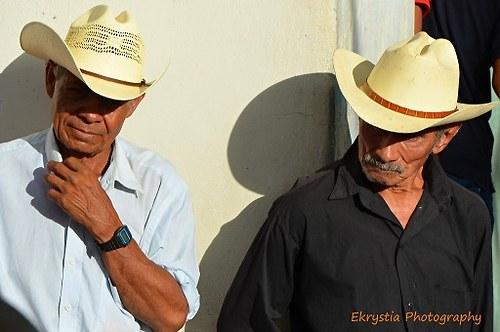 Pánové v klasických kloboucích, Salvador