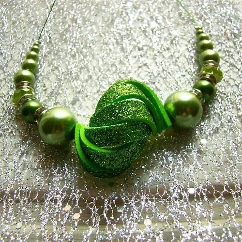 náhrdelník ulita třpytivá zelená