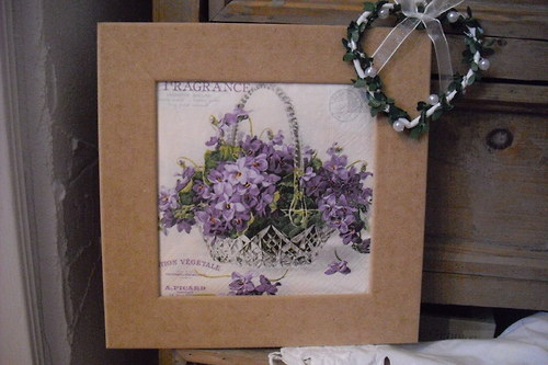 Košík fialek -obrázek