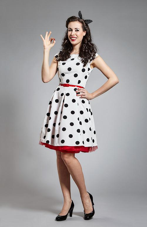 09fff542b91e bílé retro šaty s velkým černým puntíkem · JaneBond