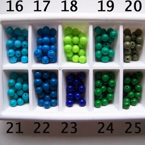 korálky akryl PONY / olivová č.20 / 8mm / 9ks