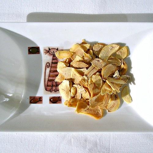 Sušený česnek plátky