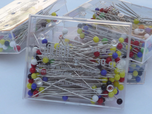Špendlíky - skleněná  hlavička délka 48 mm