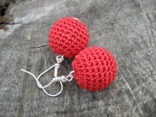 háčkované náušnice- červená