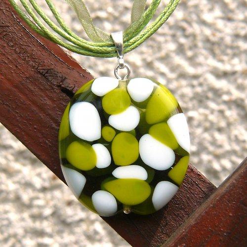Náhrdelník - mozaiková placka -  zeleno bílá