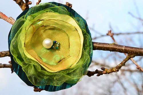 Jarní zelená brož