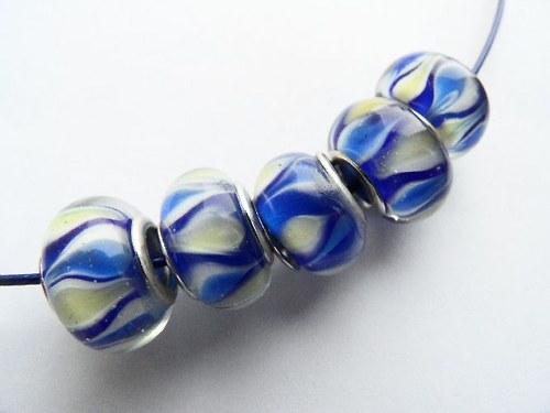 Vinutá perla - modrá žíhaná