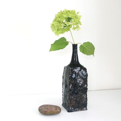 Lesklá čtyřhranná - keramická váza
