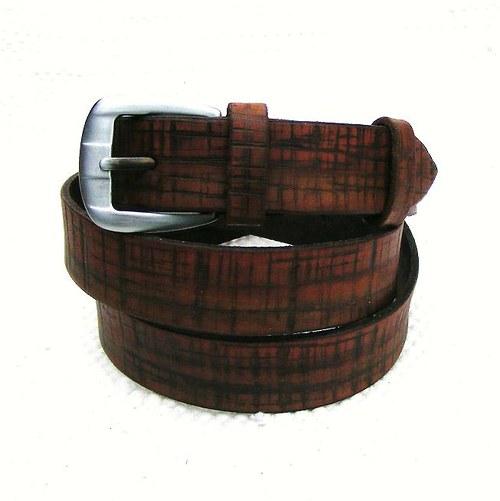 Hnědý zdobený pásek