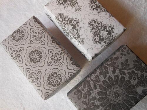 ŠEDO-ČERNÁ  - malé dárkové krabičky na přání