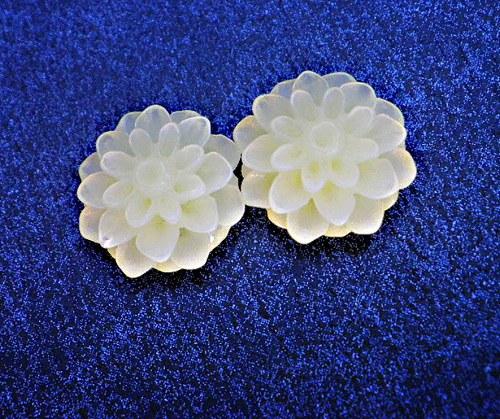 Kabošon chryzantéma,  světležlutý  - 2ks