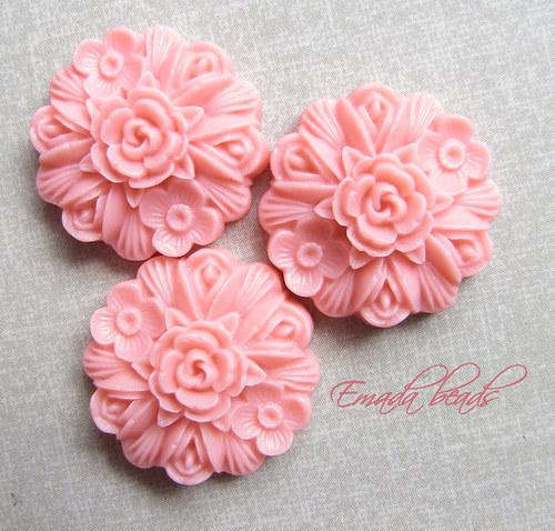 Resin květiny, kabošon růžová 2,3 cm