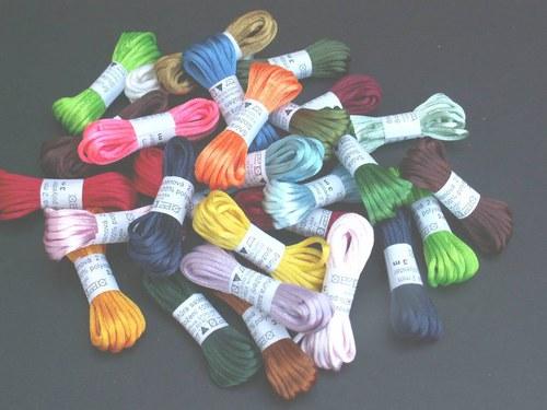 Šňůra saténová Ø 2 mm, délka 3 m - barevný mix