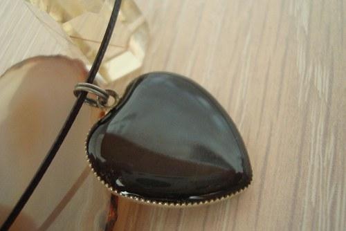 Srdíčko černé