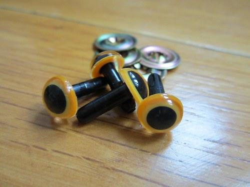 Bezpečnostní oči, oranžová barva, 9mm