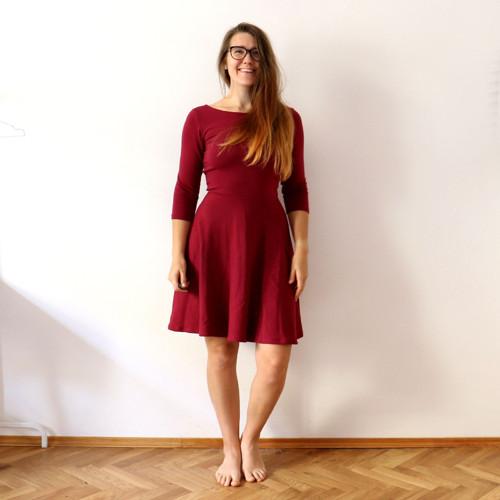 Půlkolové šaty vínové 3/4 rukáv