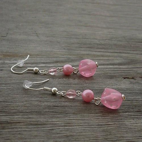 Světle růžové kostky - náušnice