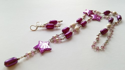 Fialový náhrdelník z hvězd