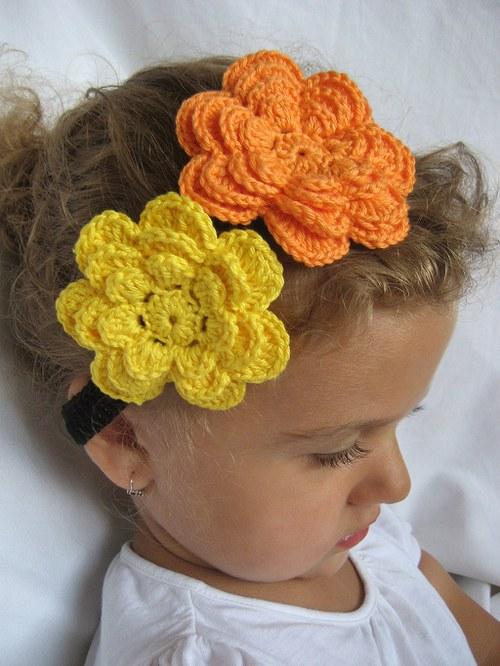 Háčkovaná čelenka s kytkami -žlutá/oranžová/černá
