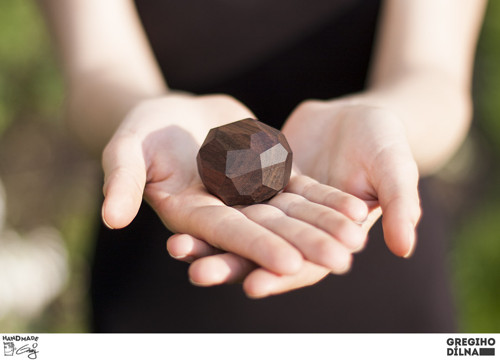 "Krabička na prsten/y \""polygon\"""