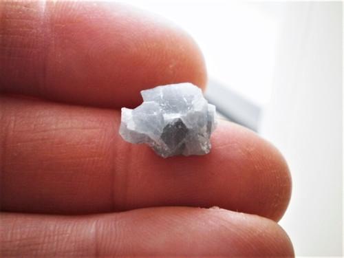 Modrý  kalcit  surovina 13 x 11 x 7 mm