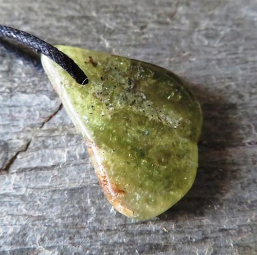 Andradit (granát)  vrtaný č.11