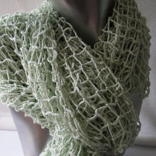 Ručně síťovaná dlouhá šála ledově zelená