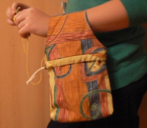 Taštička na háčkování či pletení - dekor