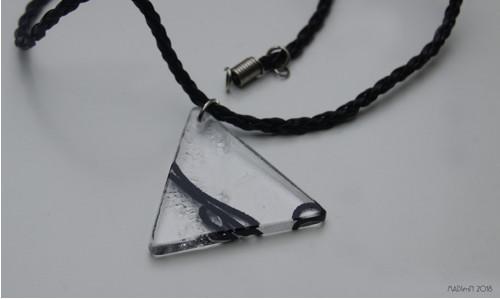 Trojúhelník s nitkou uvnitř