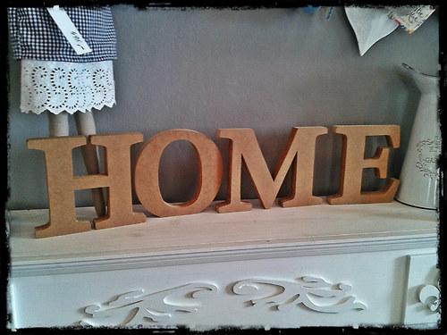 nápis HOME - 20 cm (nenatřený)