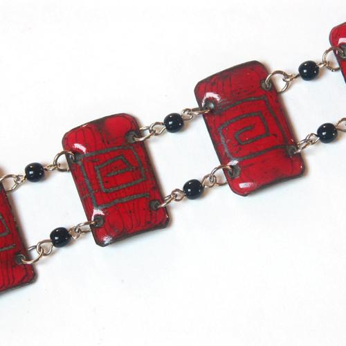 Červený s labyrinty - smaltovaný náramek