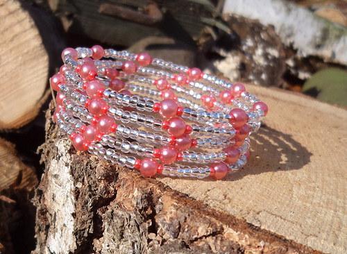Stříbrný s růžovými perličkami