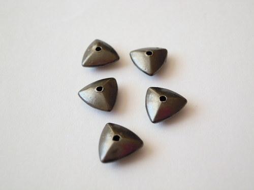 Bižuterní komponent trojúhelníčky