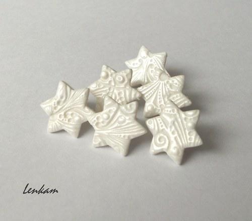 Bílé hvězdičky