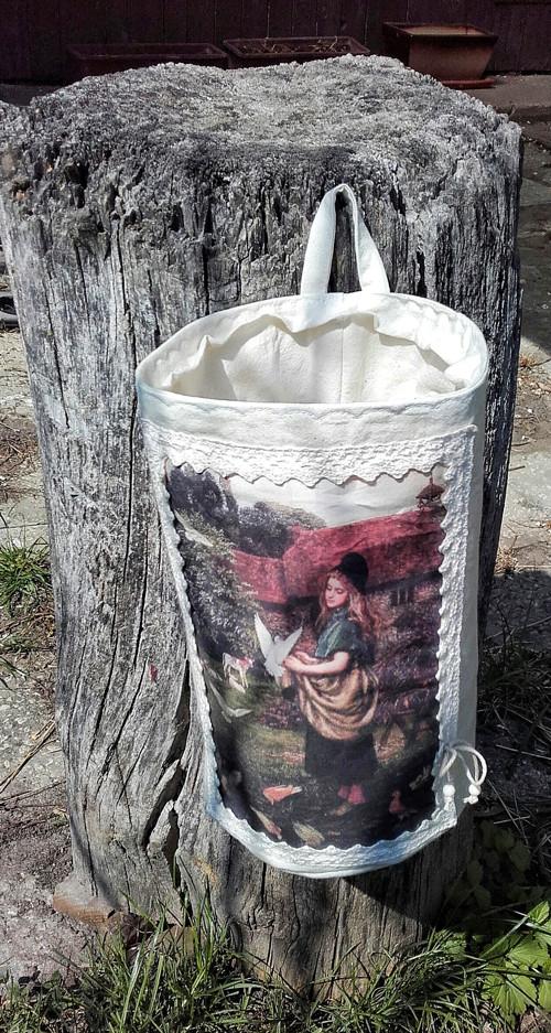 Textilní košík ve venkovském stylu