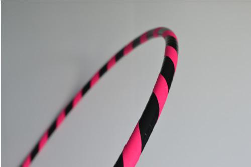 Obruč na hooping černo-růžová 90 cm