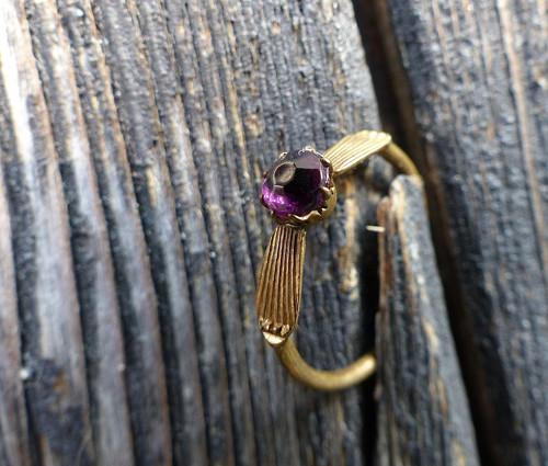 Fialová...bižuterní prsten