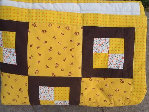Žlutohnědá deka