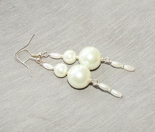 náušnice bílé perlové