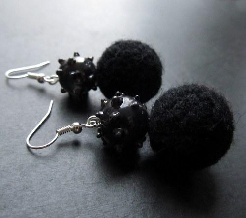 Plyšky s vinutkou černá