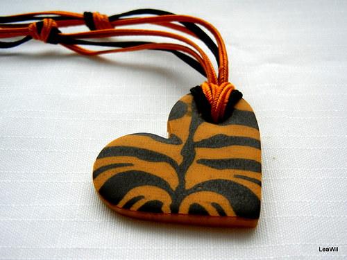 Tygří mámení - náhrdelník srdce střední