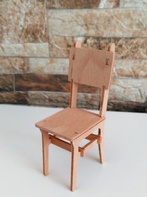 Židle pro panenky