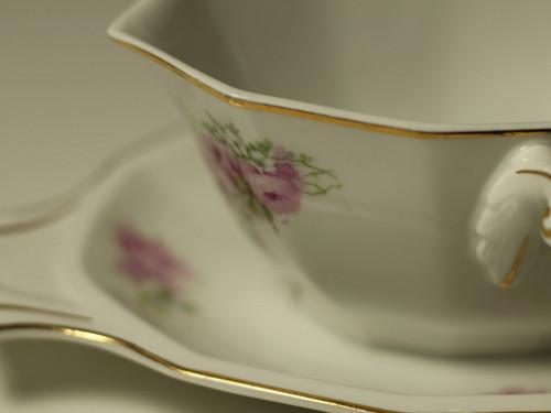 Porcelánový omáčník porcelánka Slavkov poset růží